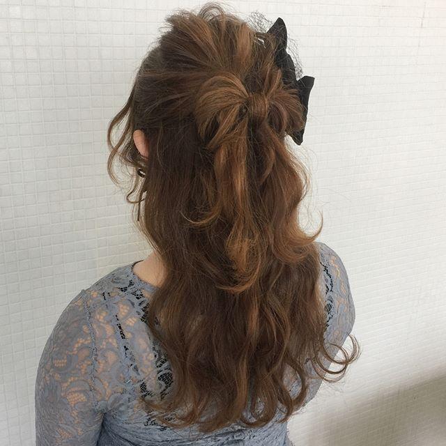 ハーフアップの髪リボンアレンジ
