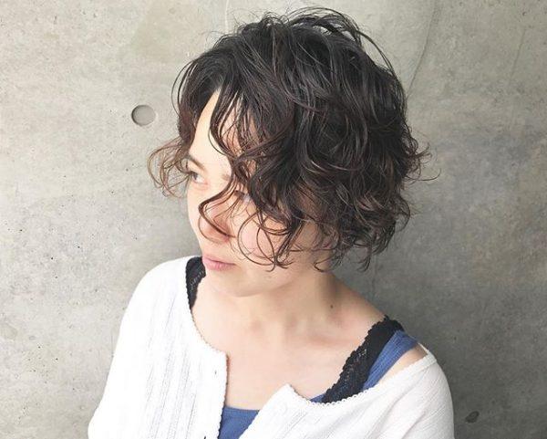 ウェーブショートパーマ×黒髪