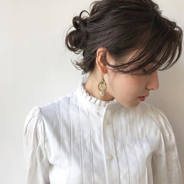 ミディアムの簡単まとめ髪卒業式ヘアアレンジ