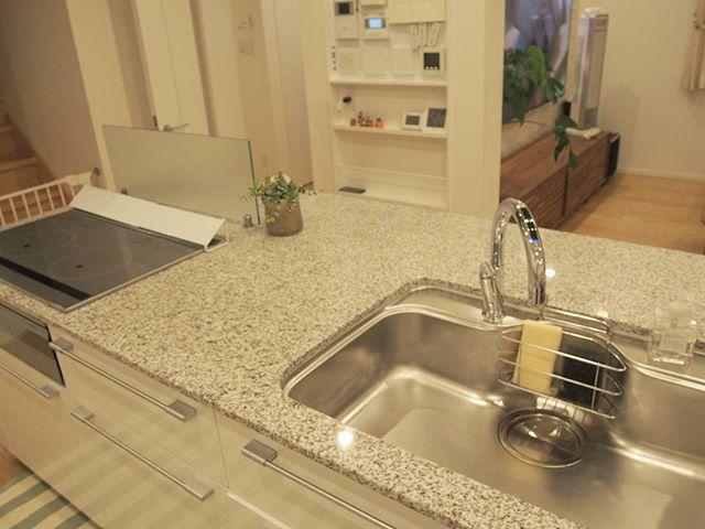 シンク周りにも物を置かない綺麗なキッチン