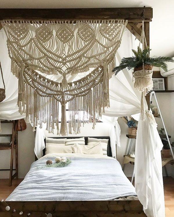 BOHOスタイルの天蓋ベッド