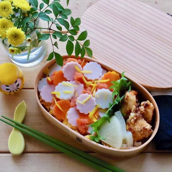 人気の食べ方!菊の花ちらし寿司のお弁当