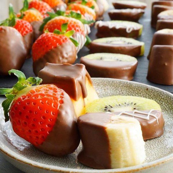 手作りフルーツチョコでバレンタインパーティ