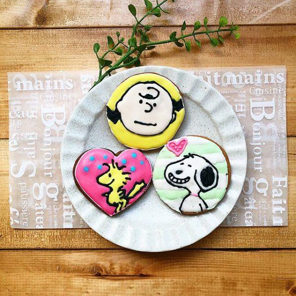 可愛いスヌーピーのデザインクッキー