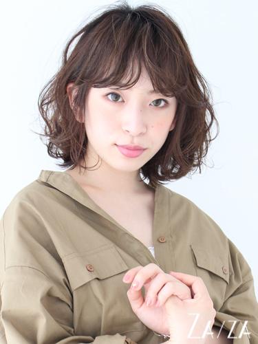 肩幅広い女性に◎カバー力のあるパーマボブの髪型