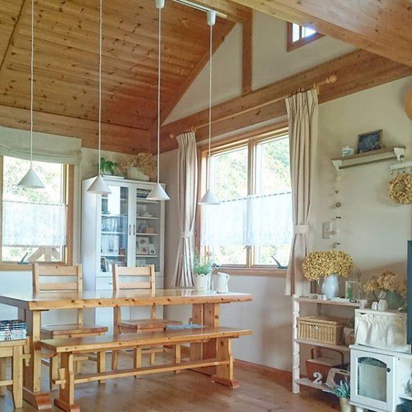 天井が高い正方形のLDKレイアウト