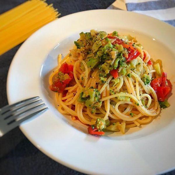 ブロッコリーとトマトのアンチョビパスタ