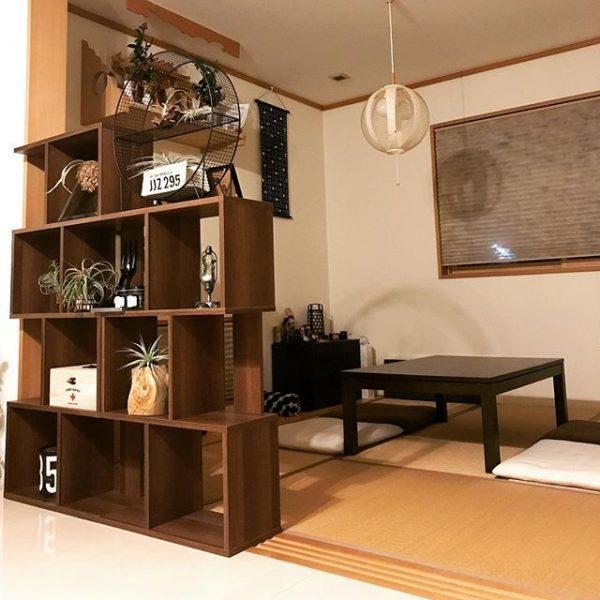 和室にデザイン性の高い照明