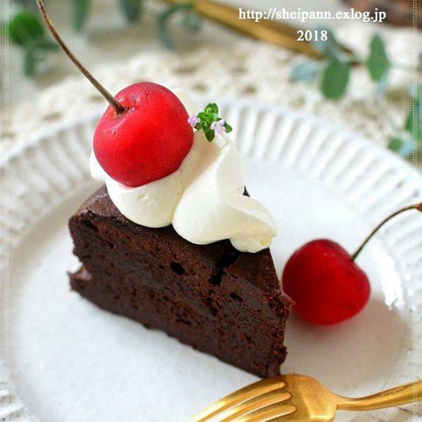 カットケーキに果物♪かわいいデコレーション