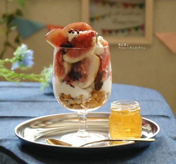 季節の果物で♪水切りヨーグルトパフェ
