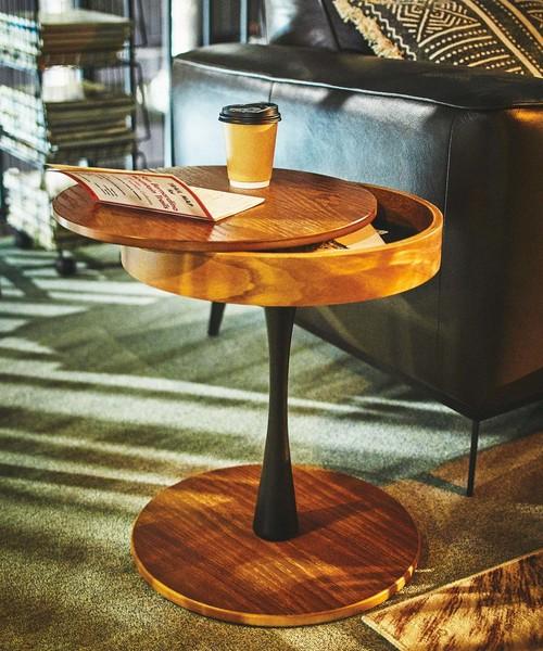 おしゃれなデザインのサイドテーブル