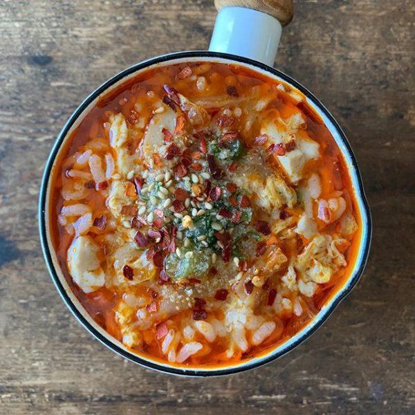 これだけで満足できる辛いスープごはん