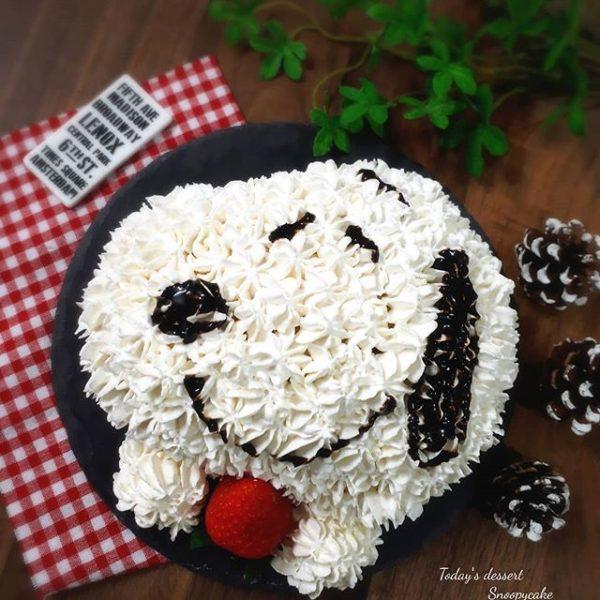 可愛いレシピ!手作りスヌーピーケーキ