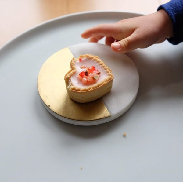 おすすめデザイン!イチゴレアチーズケーキ