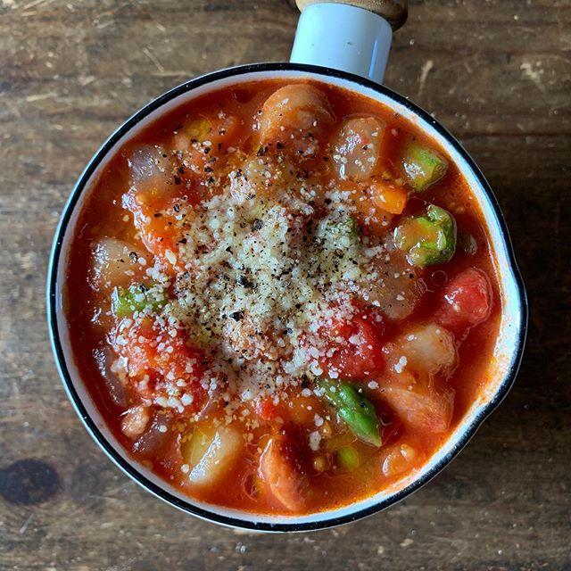 ゴロゴロ野菜のヘルシートマトスープ