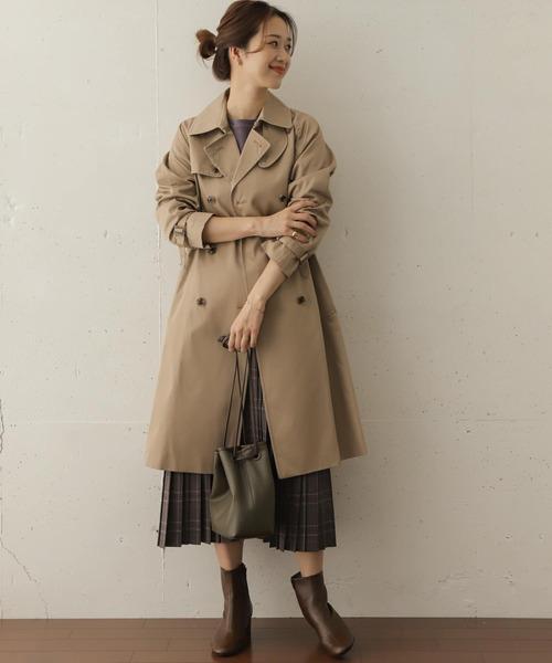 ロングトレンチコート×チェック柄スカート