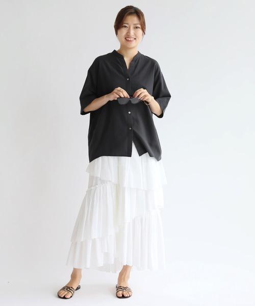 レディースシャツ×ティアード白スカート