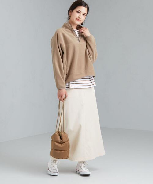 ジップトップス×コーデュロイ白スカート