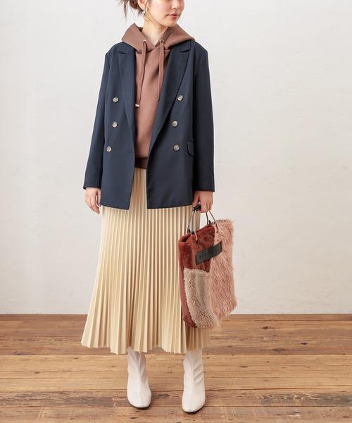 ダブルジャケット×プリーツスカート