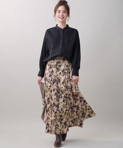 ピンタックロングシャツ×花柄ロングスカート