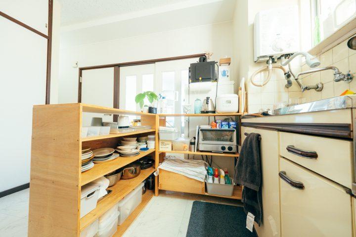 DIYでカウンター下を作った収納アイデア