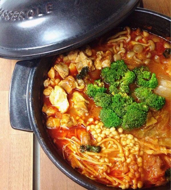 鶏肉入りキャベツのトマト風味鍋