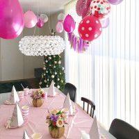 バレンタインにぴったりの部屋の飾り付け!パーティーにも使える装飾で気分UP♪