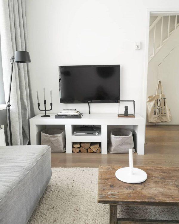 掃除がしやすいテレビのレイアウト