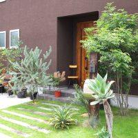 狭いお庭のおしゃれレイアウト実例!ガーデニングやDIYのアイデアをご紹介