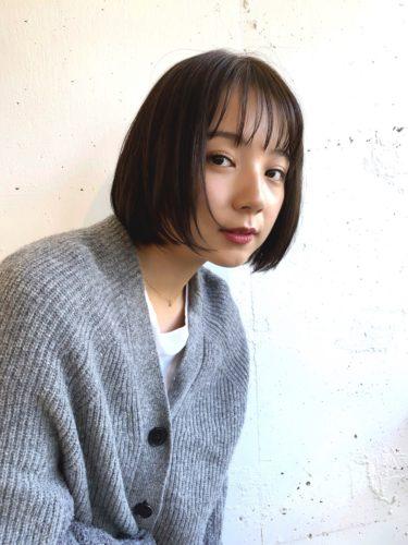 シンプルな韓国ボブのヘアスタイル