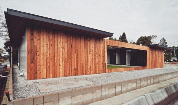 木目調が美しい平屋住宅の外壁