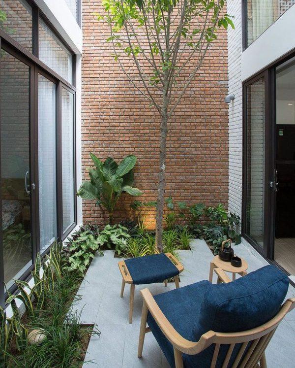 リラックス感溢れる中庭スペース