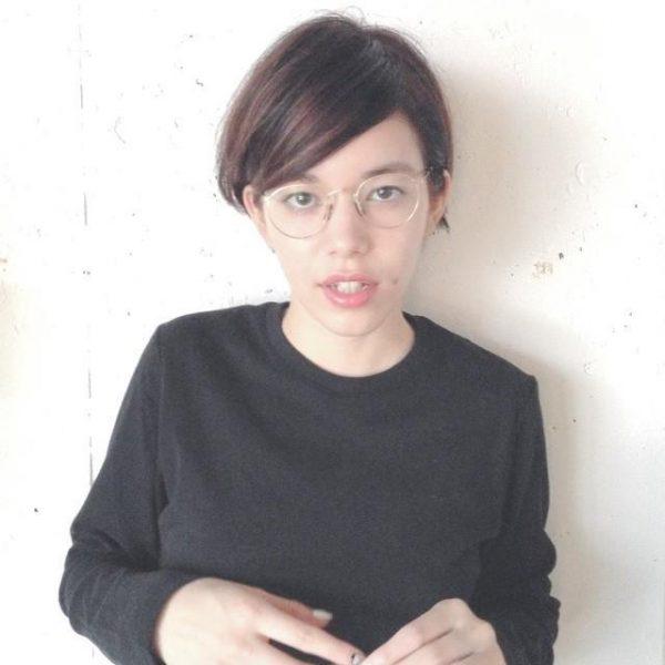 7:3前髪のショートヘア×メガネ