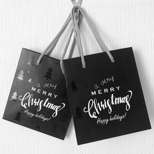 セリアのおしゃれで可愛い紙袋③クリスマス柄