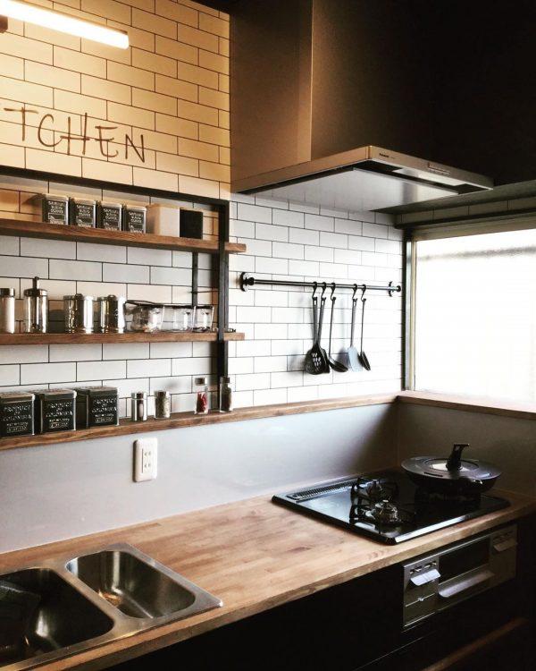 オープンキッチン 収納実例 調味料3