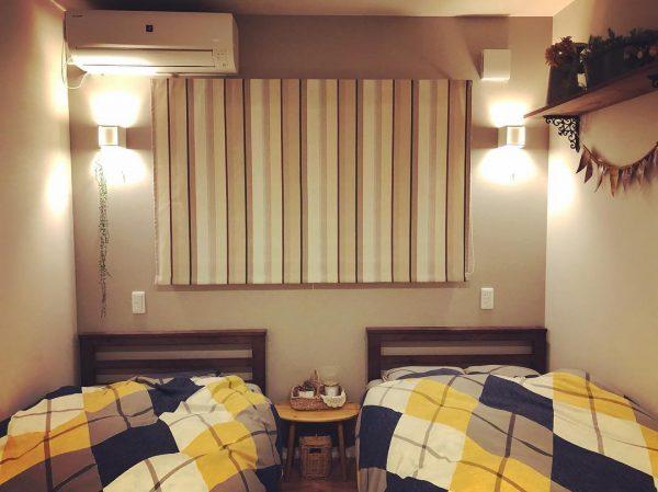 シングルベッドを2台配置した寝室レイアウト