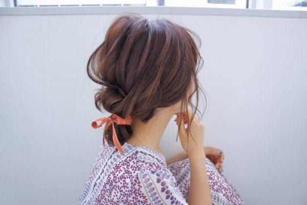 リボンで作るリラックスヘアアレンジ