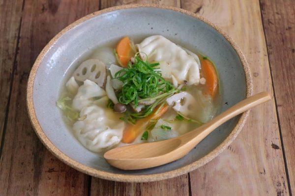 具沢山で美味しい餃子スープのレシピ