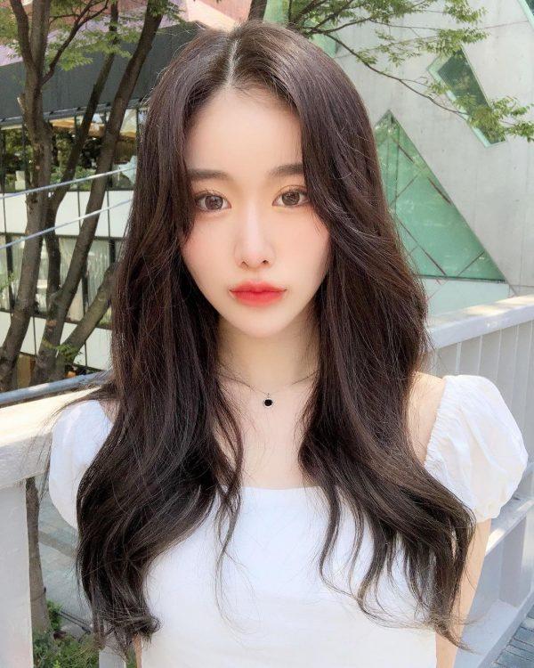 トレンド感たっぷり♡人気の韓国風ロングヘア