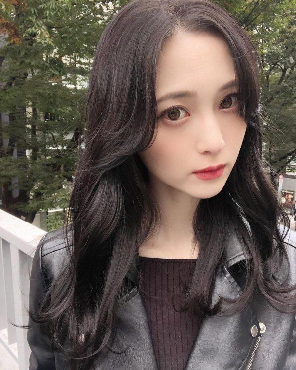 クールビューティーな韓国風ミディアムの髪型