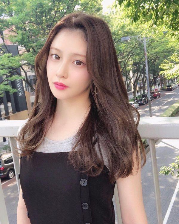 人気のきれいめ韓国風ロングヘア
