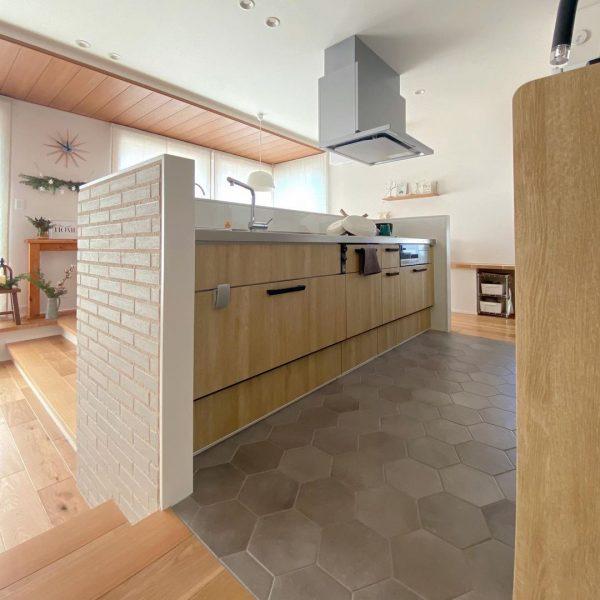 マットを引かない美しいキッチン
