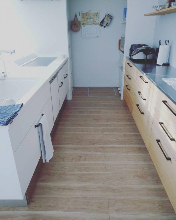 清潔感のある物を置かないキッチン