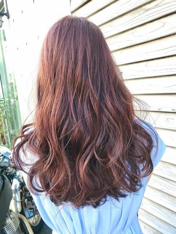 ボリュームたっぷりな巻き髪のやり方