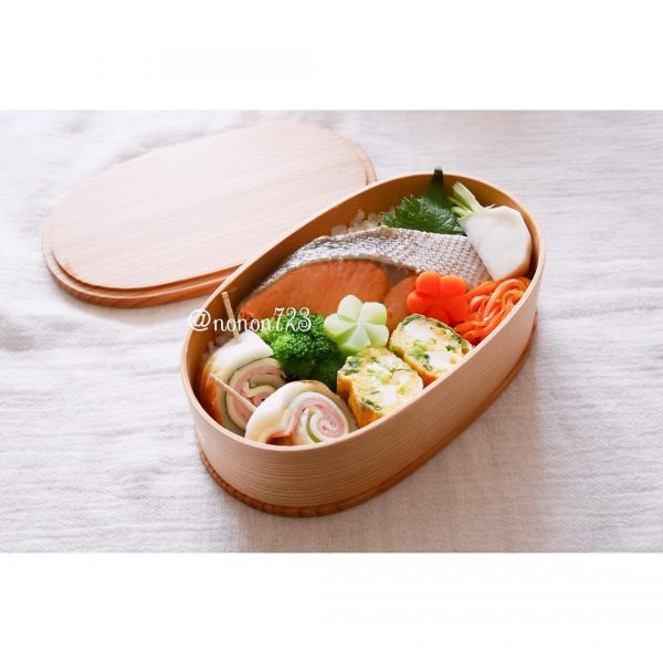 シンプル焼き鮭弁当