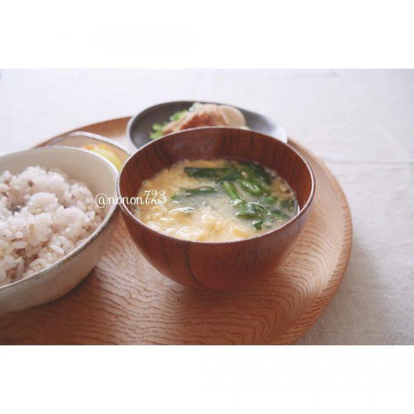 ニラと玉子の味噌汁