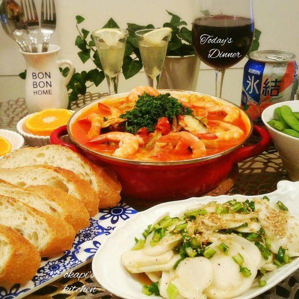 豪華な材料でキャベツのトマト風味鍋