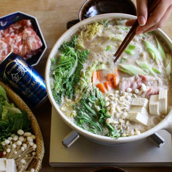 お腹に優しい人気鍋料理レシピのごま豆乳鍋