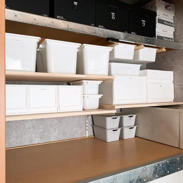 可動棚で使いやすく収納