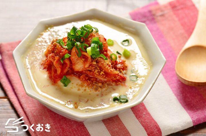 レンジで簡単!豆腐とキムチの豆乳スープ